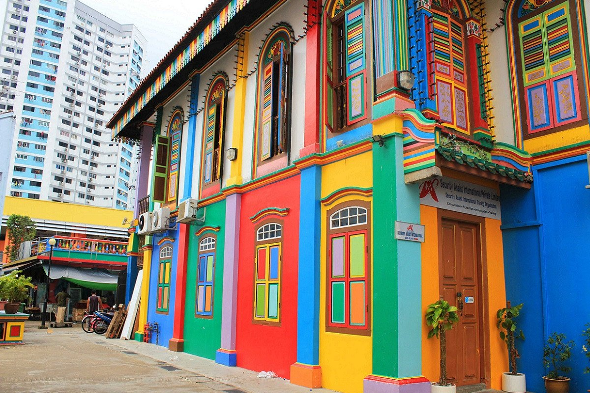 Little India   Singapore (image credit above: thechromologist.com)