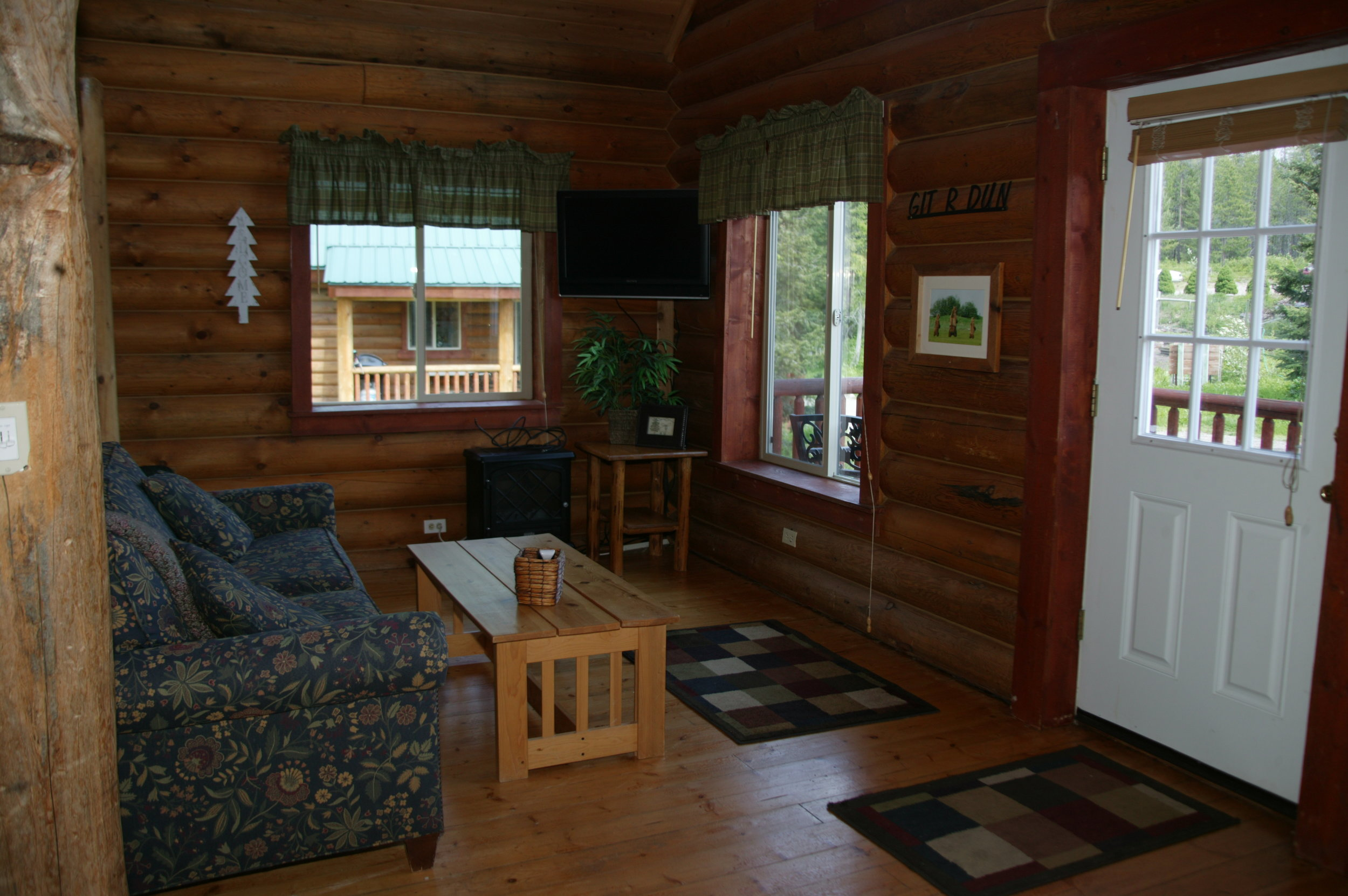 Living Area in The Wolf Den Cabin