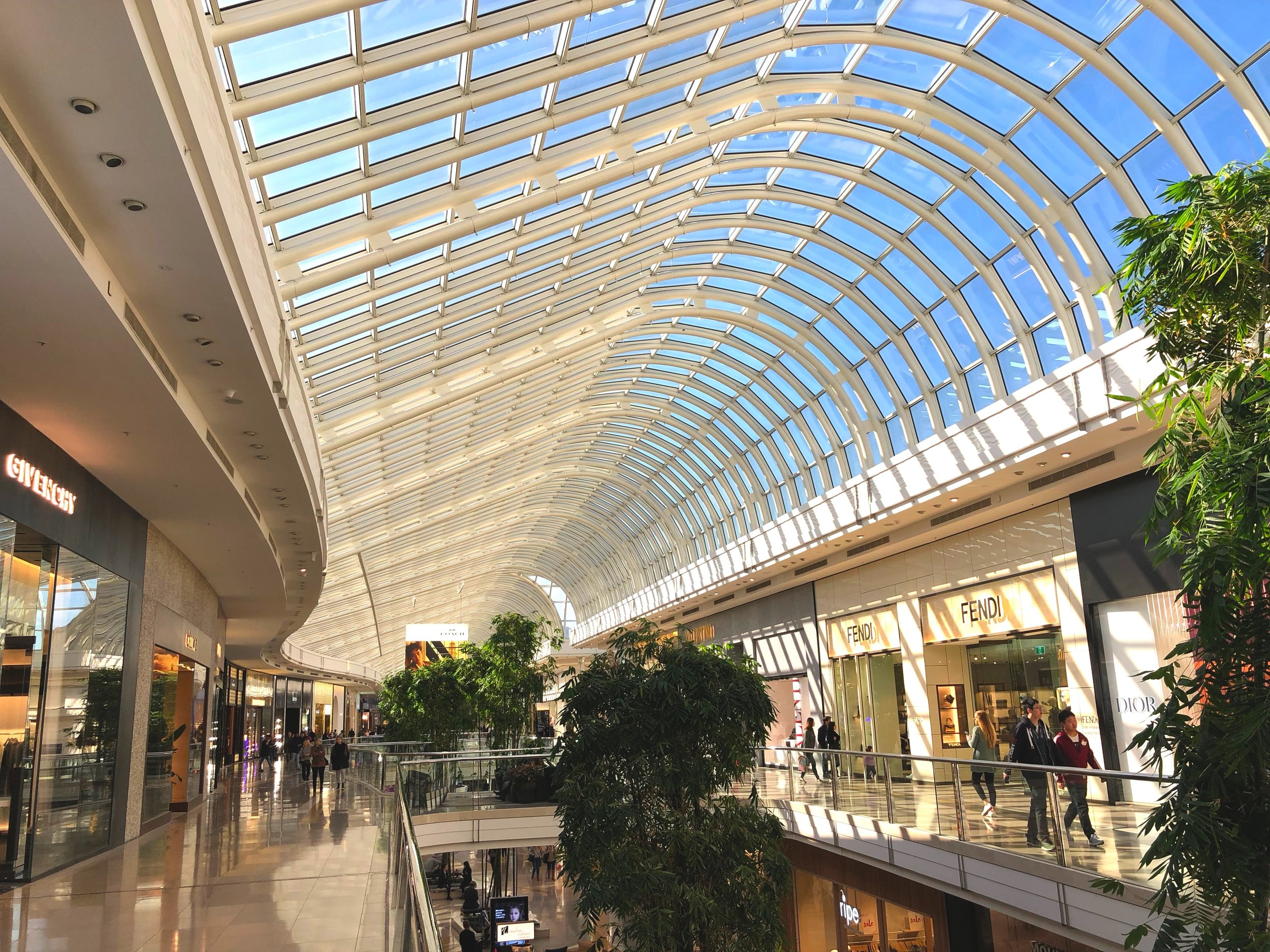 CHADSTONE SHOPPING CENTRE - Rock Solid Earth was part of the site investigation team in assessing the strength of the founding material for the large iconic shopping complex. Extensive schedule of testing was undertaken to form quality assurance of the project.