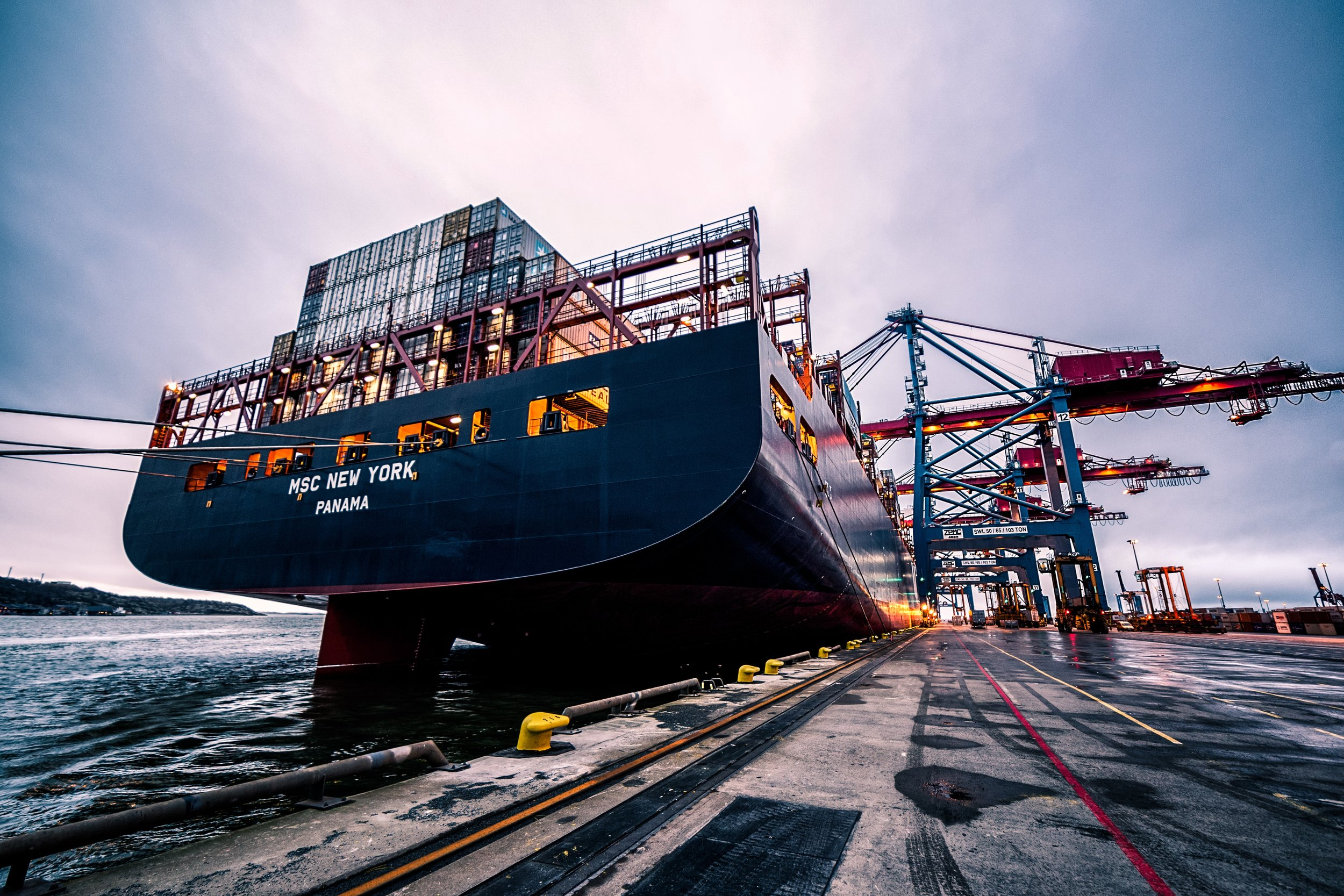 cargo-cargo-containers-containers-906982.jpg