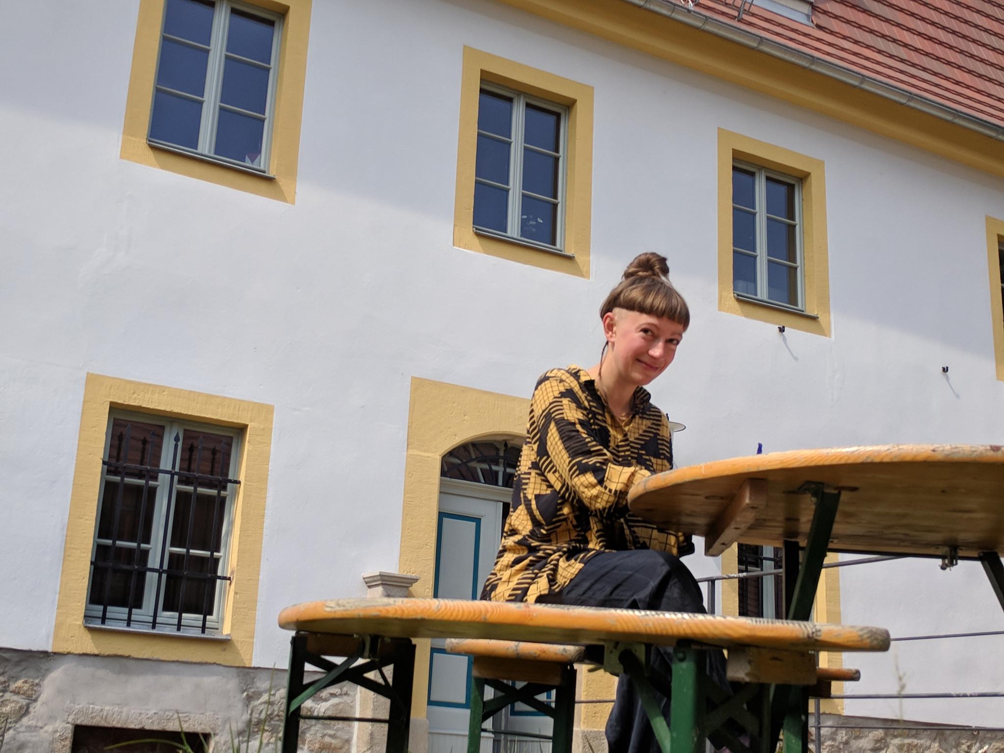 Die Kostümbildnerin und Performance-Künstlerin Alexandra Börner, Foto 2018 © ORLA e.V.