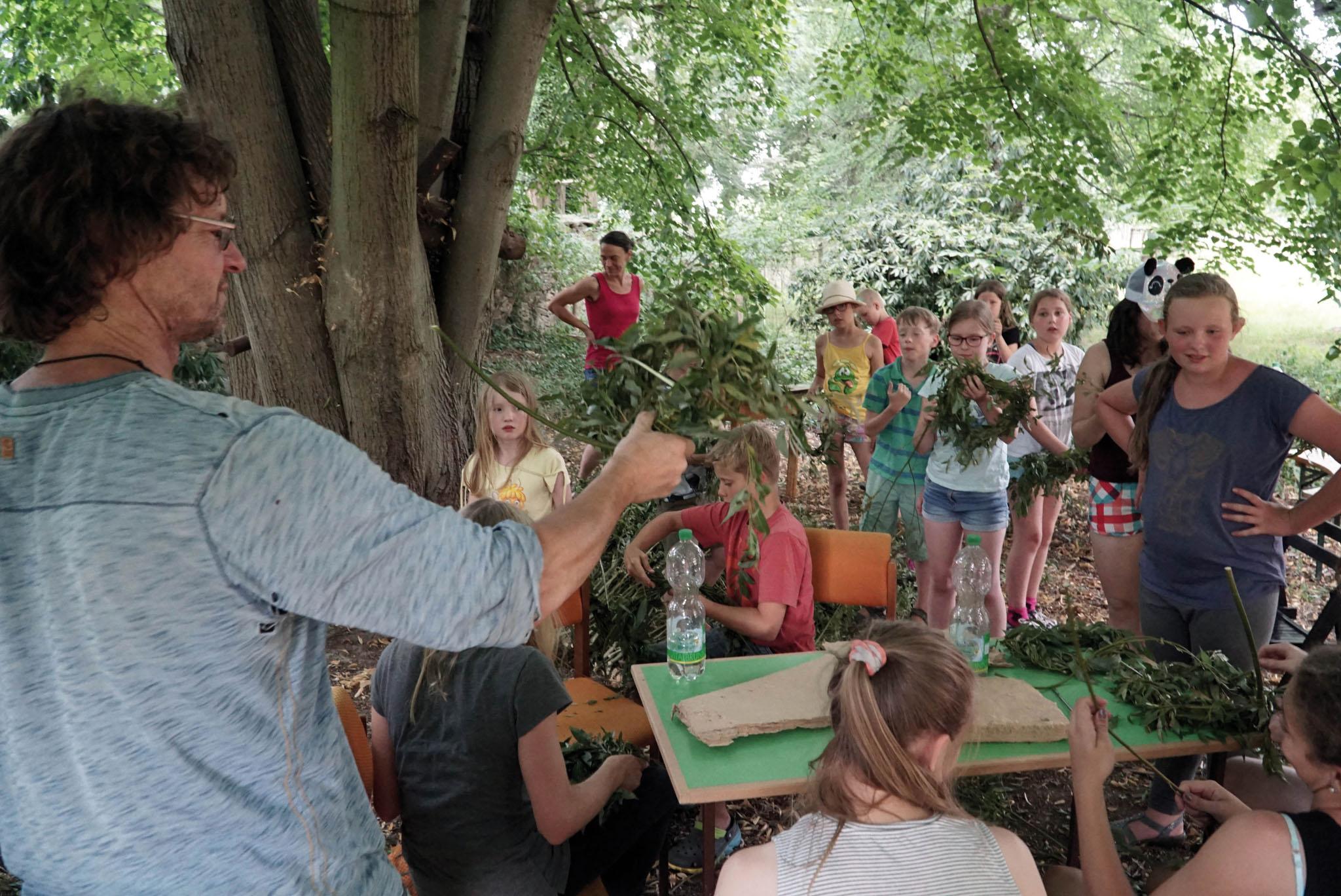 Nestbauworkshop mit Andreas Hetfeld. Foto: Matthias Schuhmann © ORLA e.V.