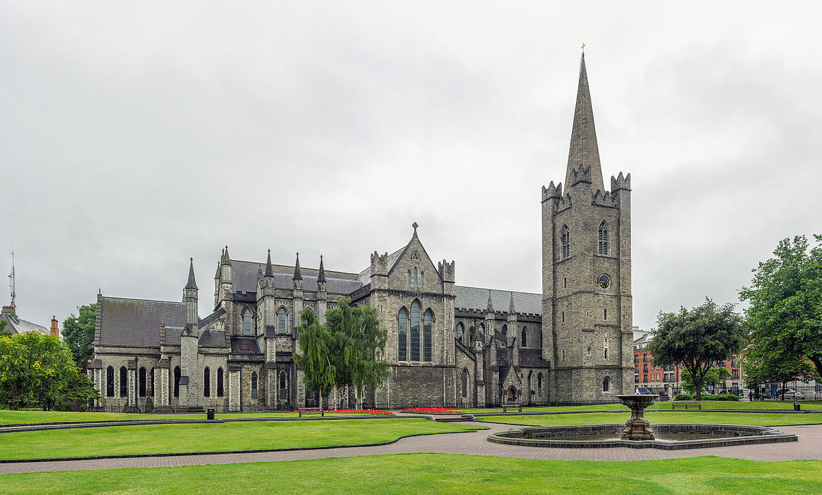 St_Patrick's_Cathedral_Exterior,_Dublin,_Ireland_-_Diliff.jpg