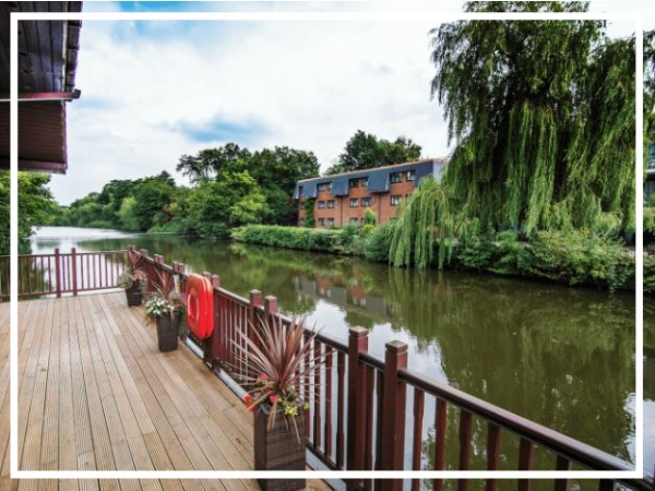 Ramada Sutton Coldfield - 3* HotelSet in 14 acres of mature grounds with a peaceful lakeside setting, the Ramada Sutton Coldfield is an ideal venue for a top outdoor team build. Easily accessible, the hotel is conveniently located just 15 minutes drive from Birmingham city centre.