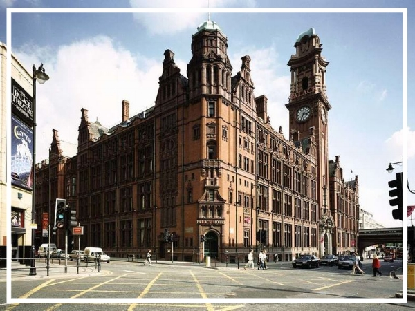 Principal Manchester - 4* City Centre HotelSearching for a central hotel for a team build in Manchester? Look no further than the iconic Palace Hotel. Located in a coveted area of Manchester, it offers stylish guest rooms as well as 19 conference and meetings rooms that can hold seating for up to 1000 guests.