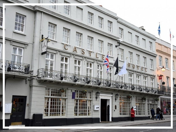 Castle Hotel Windsor - 4* HotelA well located 4 star property, the Castle Hotel Windsor has 108 bedrooms, 12 fully equipped meeting rooms as well as a restaurant and bar. Opposite the Royal Guildhall, the hotel is both modern and traditional in design.
