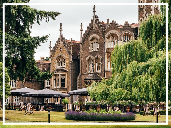 The Oakley Court - 4* Country House HotelA stunning venue in Windsor, Oakley Court is set in over 33 acres of gardens with manicured lawns leading straight onto a private stretch of the River Thames. It has 118 bedrooms and various unique conference facilities capable of holding up to 500 guests..
