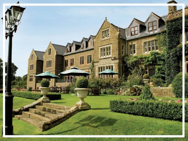 South Lodge - 5* Country House HotelA magnificent country house hotel, South Lodge is one of the finest luxury hotels in England. Boasting two award winning restaurants and dramatic views over the Sussex Downs, it has great meeting facilities and plenty of outdoor space for an exciting team build in Sussex.