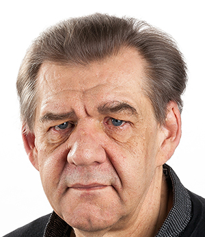 Author, researcher and historian Adrian Curtis.   Studio photograph ©: Jacques Portal