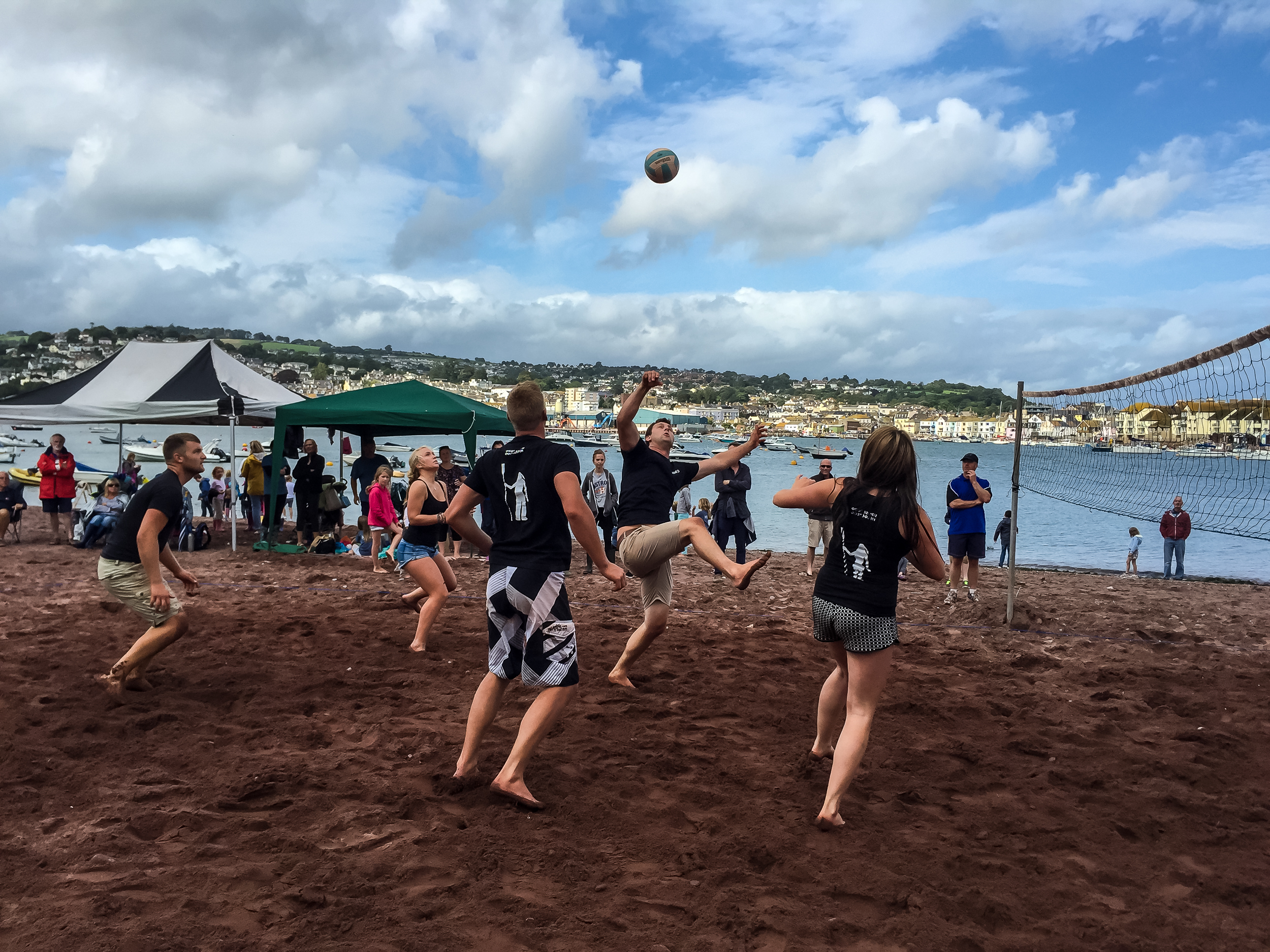 Beach volleyball - Teams are made up of six players consisting of three men and three ladies or 13 to 15 year olds. It's a knock out competition. Winners in each round are decided by the best of three sets. The final match is the best of five sets. Register your team the first Sunday of Regatta as entries are limited!