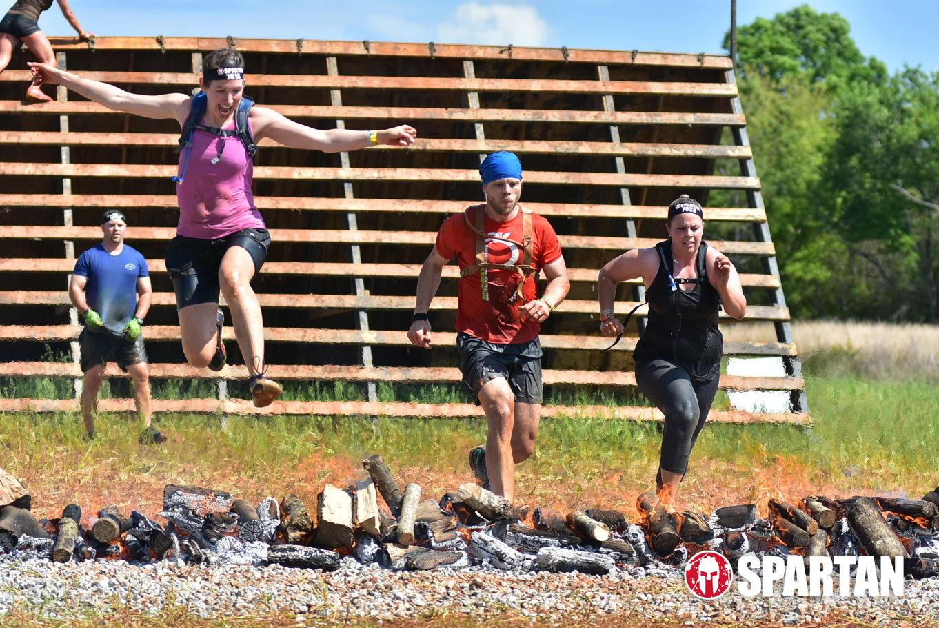 spartan-race-lesley-jump.JPG