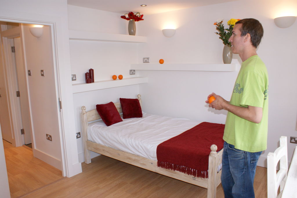 Bedroom 1 - GQ.JPG