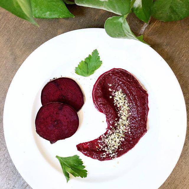 🌱New Blog Post🌱 Découvrez tous les bienfaits des légumes racines dans notre dernier article.  Lien en bio 😉 #betterave #healthyfood #vegetarien #positivevibes #versailles #positiveacademy