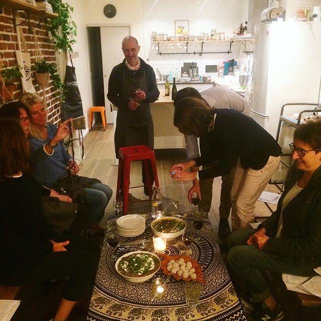 Mindful Ayurvedic Cuisine ✨  C'était une soirée très spéciale avec un groupe très sympathique. J'ai co-animé cet atelier avec Sylvie qui nous a guidé dans une méditation en pleine conscience avant de commencer à cuisiner. L'Academy est encore envahie par l'odeur des epices !  Merci à tous pour votre belle énergie, vos partages et vos sourires. J'espère vous revoir bientôt ! 🙌🏻 #mindfuleating #ayurvediccooking #spices #deliciousfood #positivepeople #stayhealthybepositive #positiveacademy