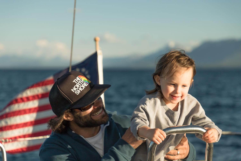 2018 TahoeSail Costa con papa y  timón .jpg