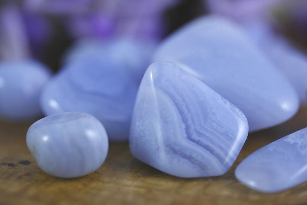Agate blue lace  - Vertus des cristaux - Lithothérapie Zeina Raya.jpg