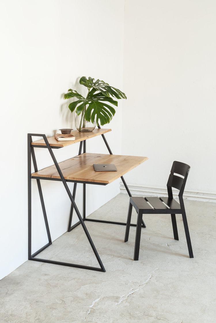 Massivholz Schreibtisch.jpg