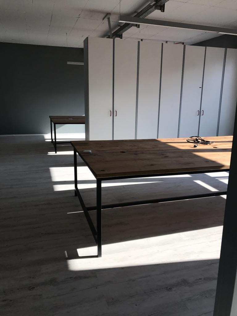 Schreibtische aus Massivholz.jpg