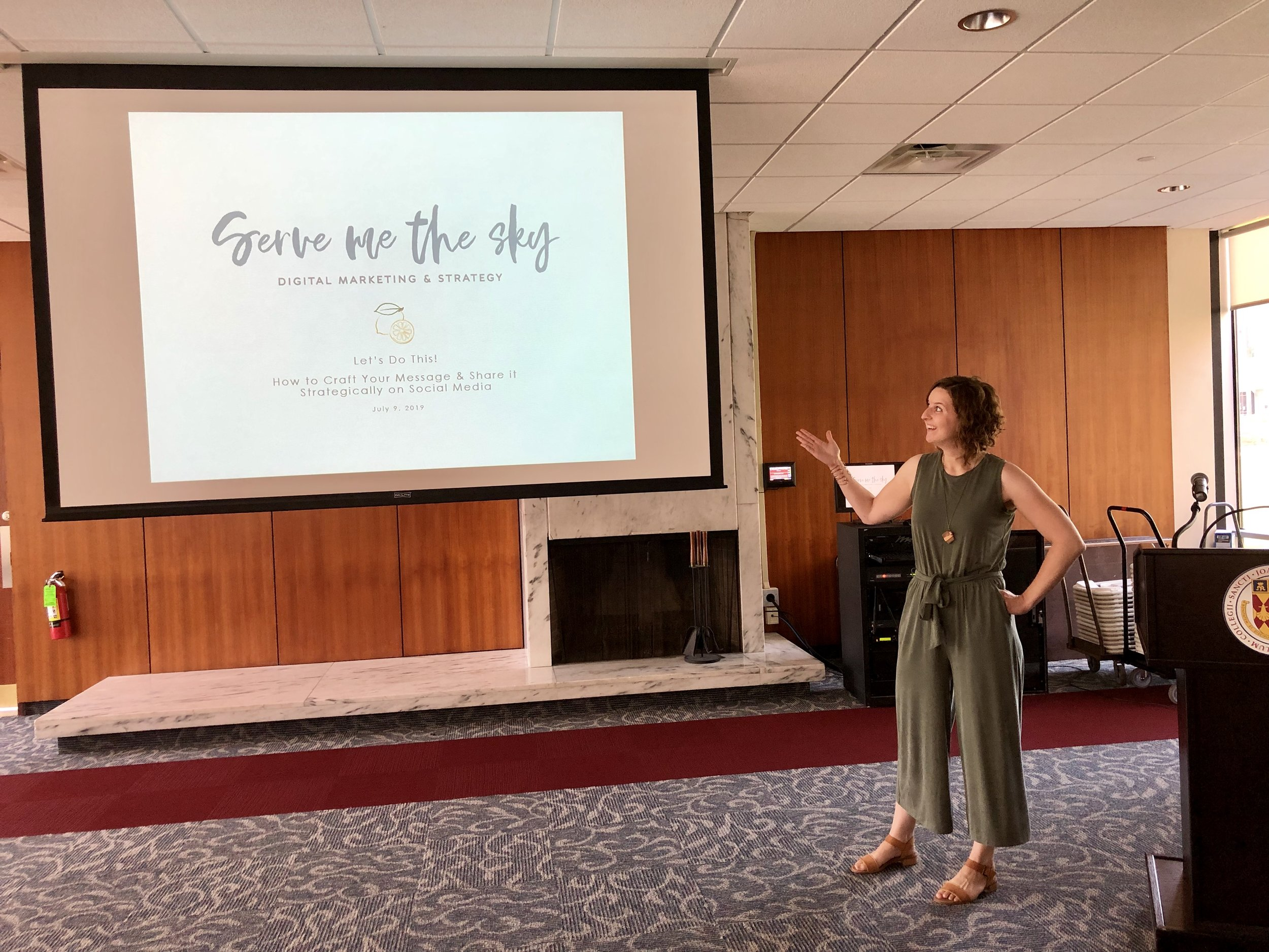 Kicking off my workshop on how to craft your message & share it strategically on social.