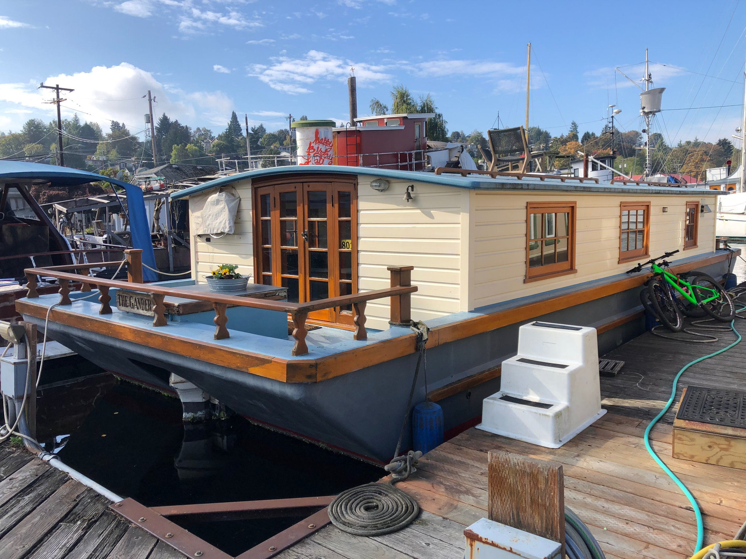 Jeremy and Crissy's houseboat, The Gander