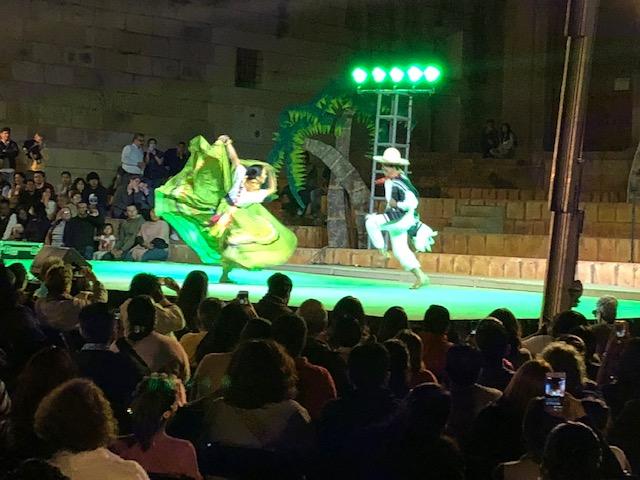 A free dance performance near the Zocolo