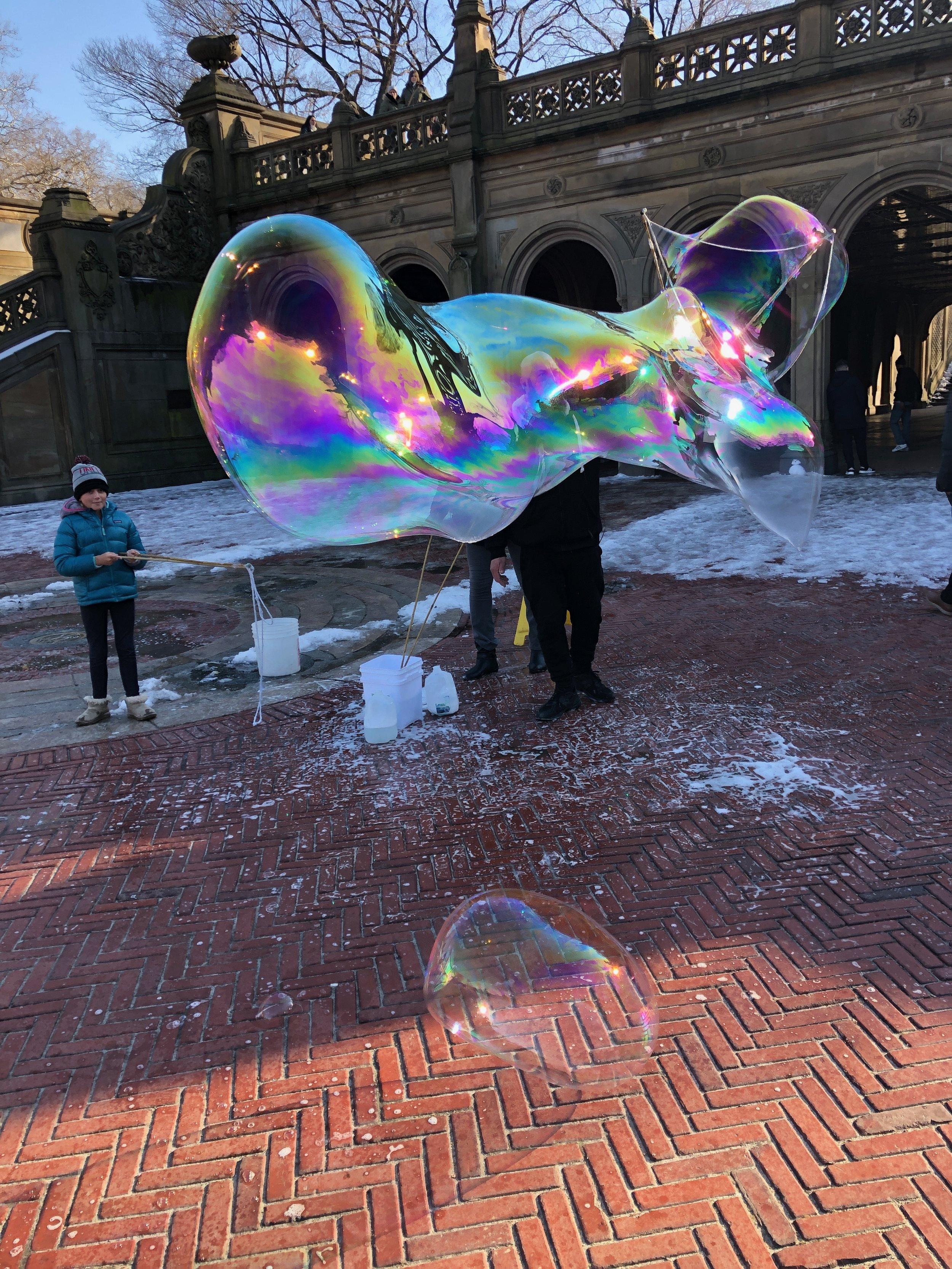 Isla's BIG bubble