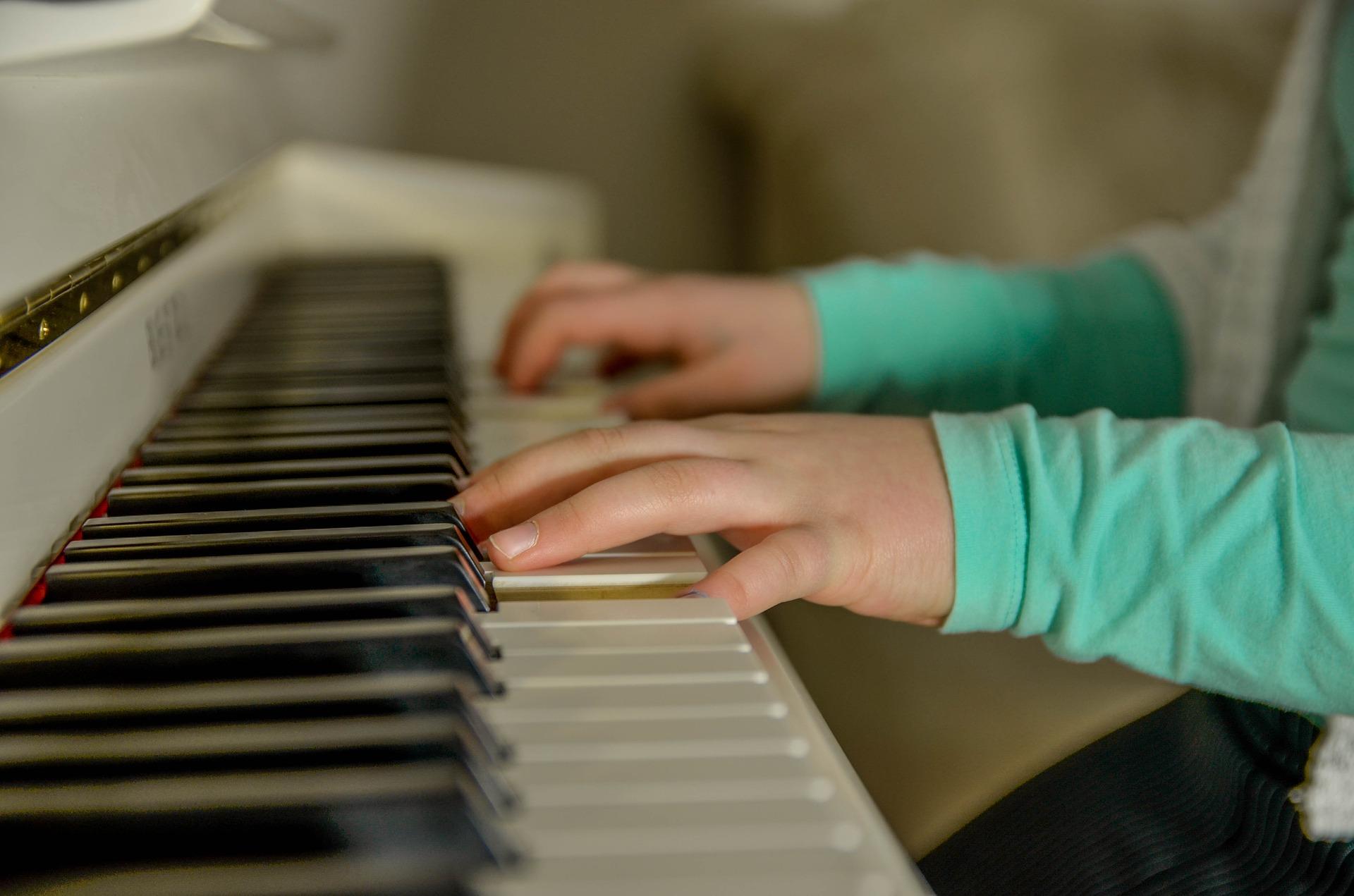 Website piano-3290798_1920.jpg
