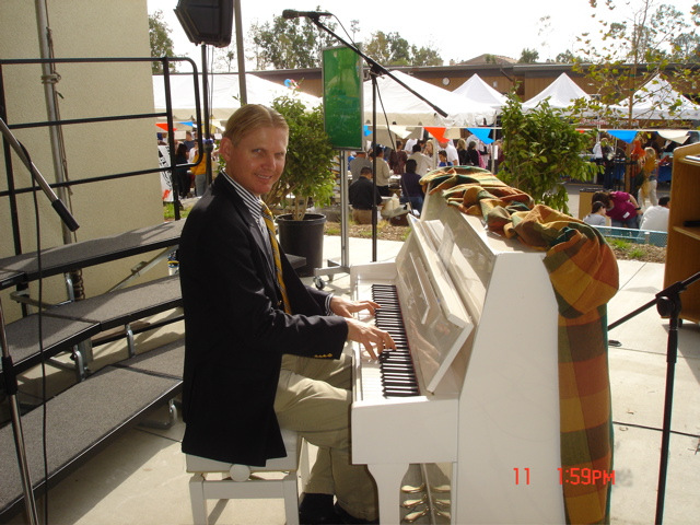 Ragtime Piano at Harvest Festival