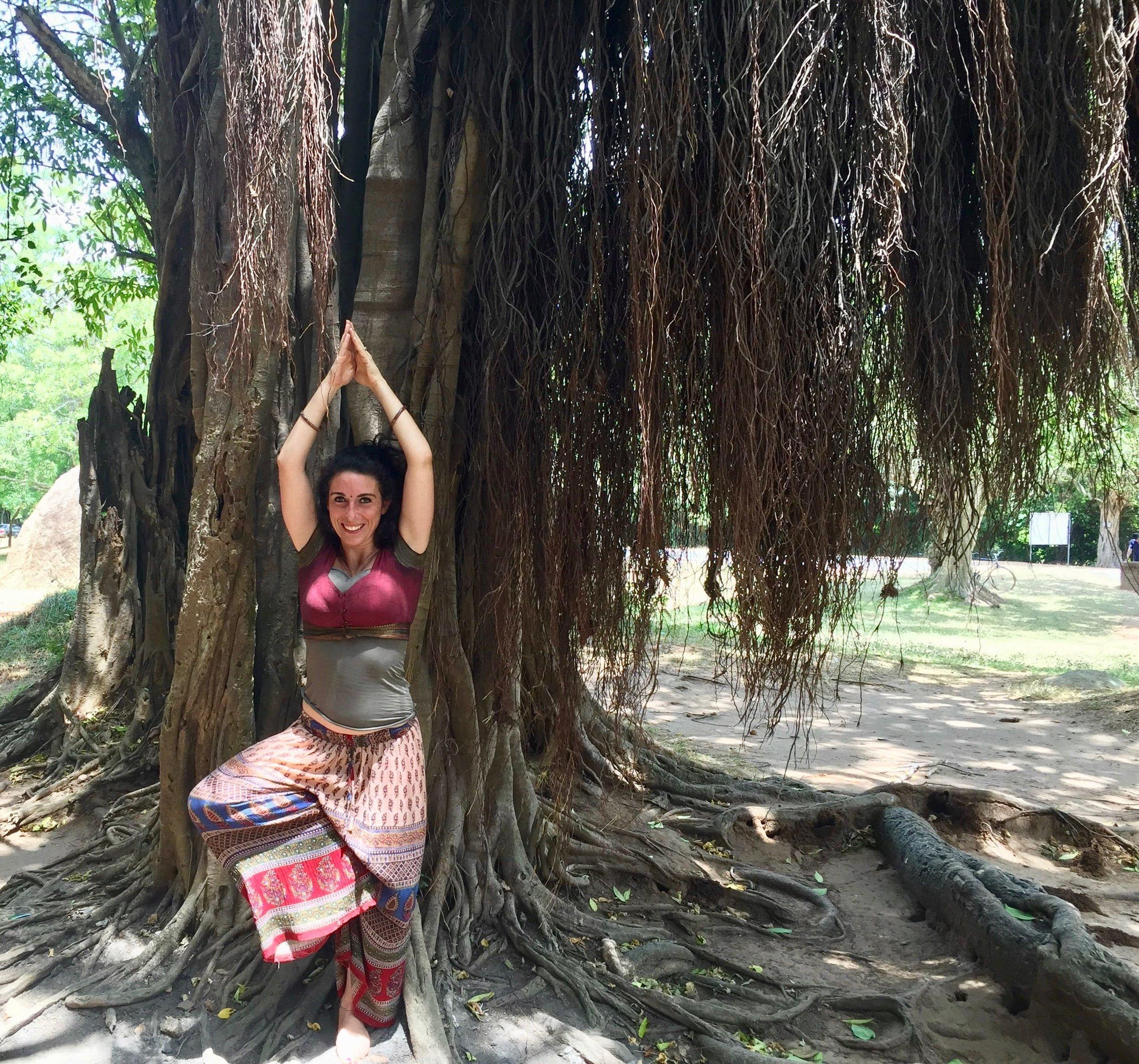 Lara Magliocchetti Esperta Sri Lanka Yoga.jpeg