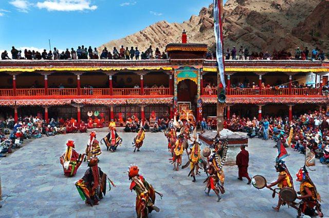 Hemis-Festival-Leh-Ladakh-india.jpg