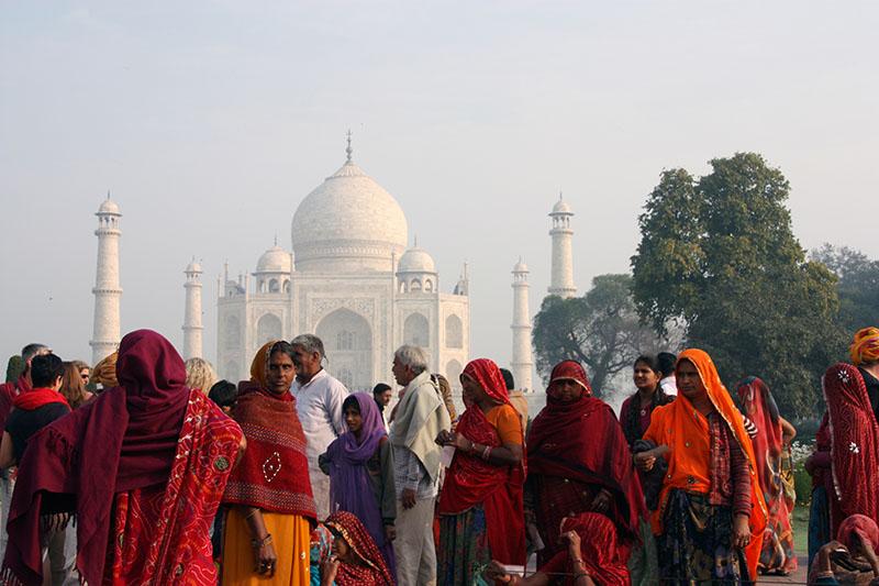 Donne indiane Taj Mahal Viaggio India Nord.jpg