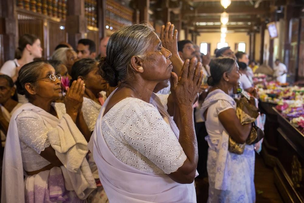 Kandy - puja al tempio del dente