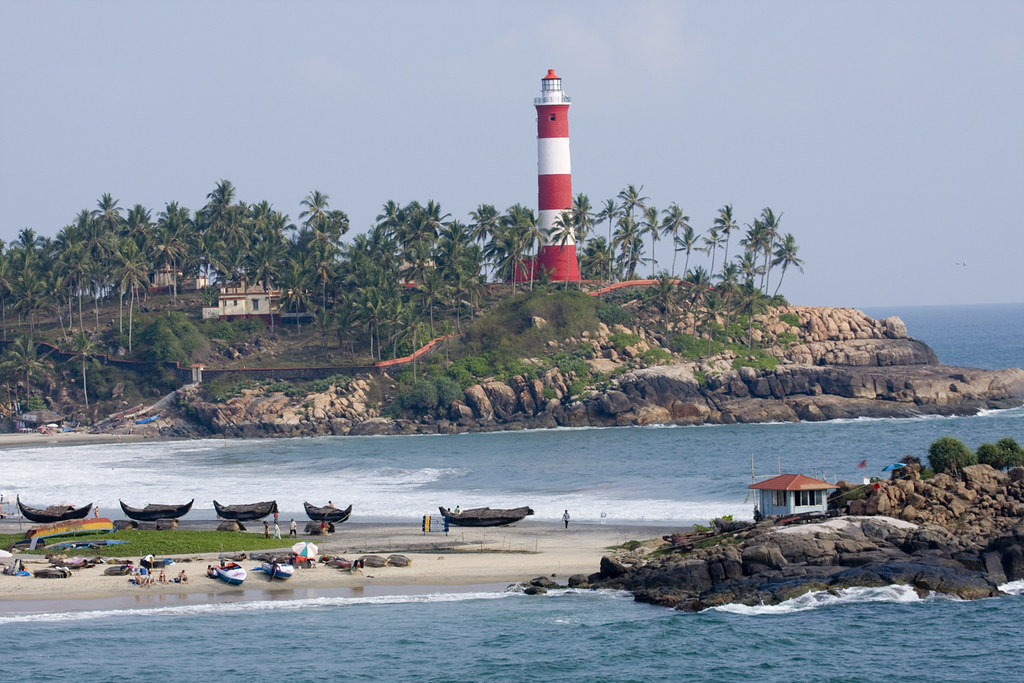 Kovalam beach lighthouse.jpg