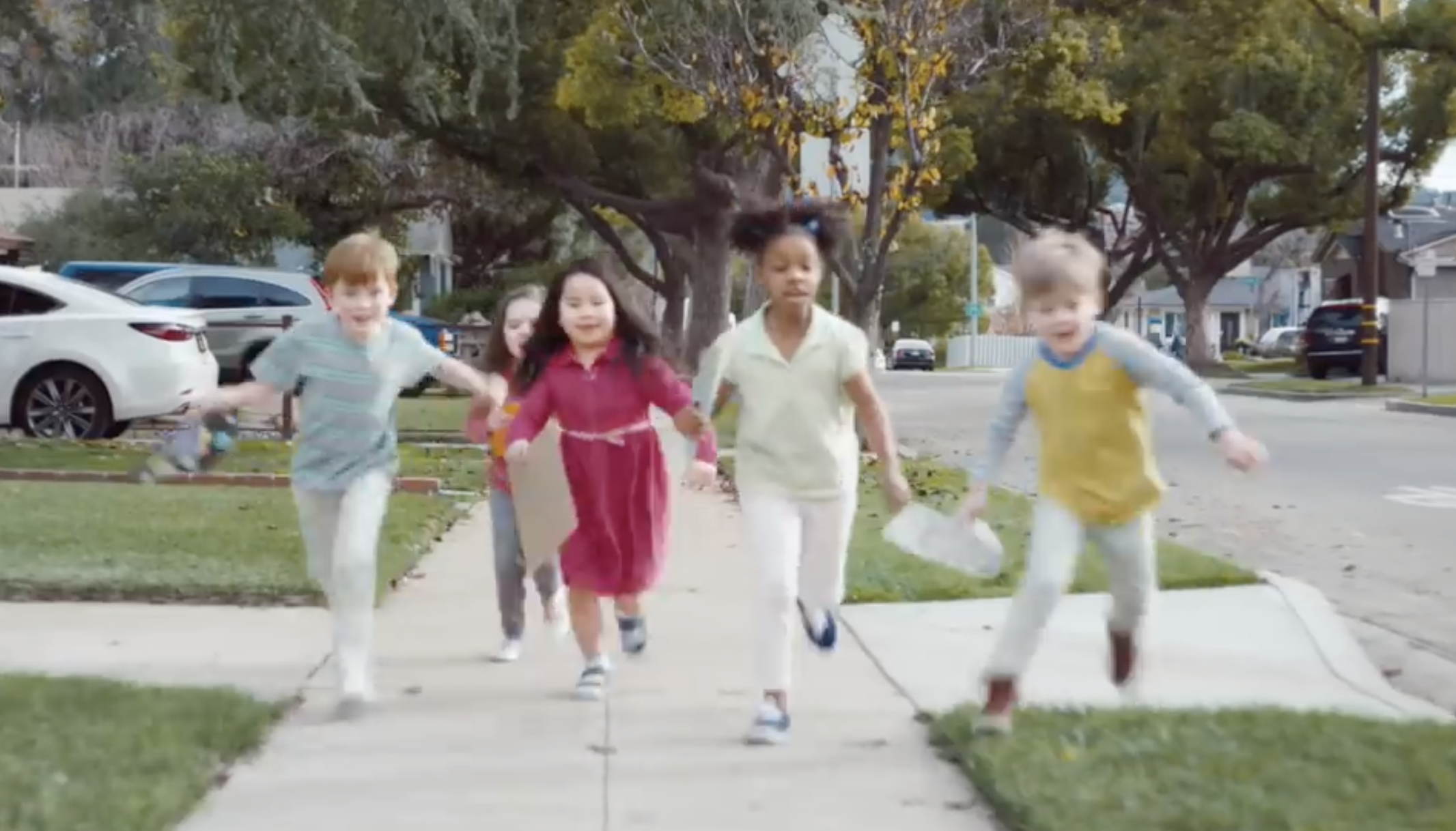 Halo Top Commercial opening with kids running towards and ice-cream truck