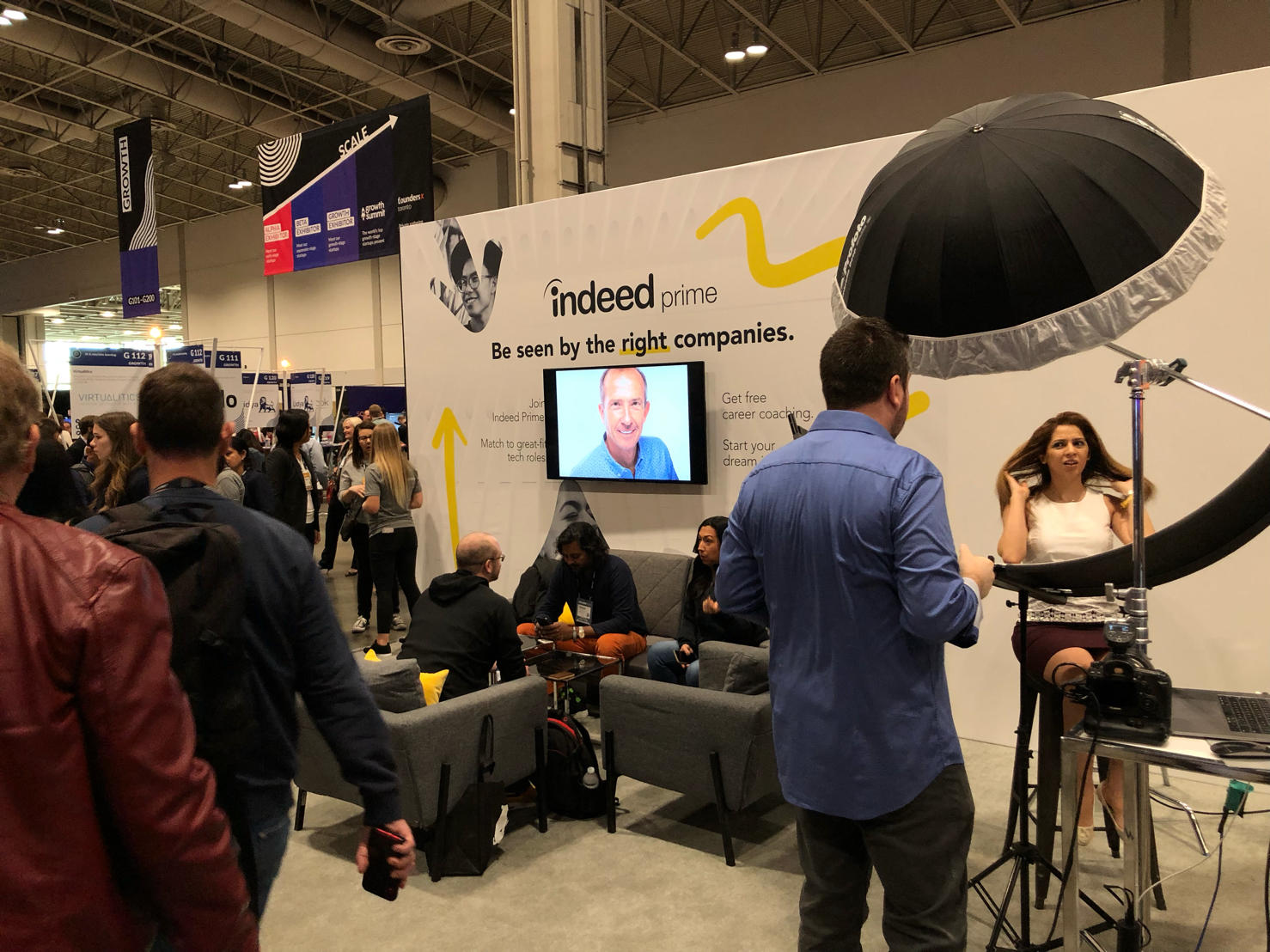 Indeed Booth offered guests free professional headshots  Image Source: Ihab El-Cherkahoui
