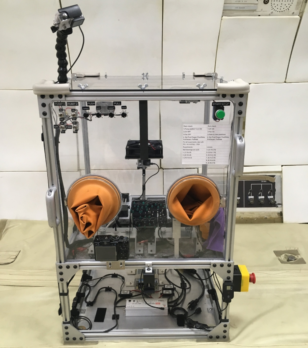 The Final system, connected to the boing 727 floor and ready to fly