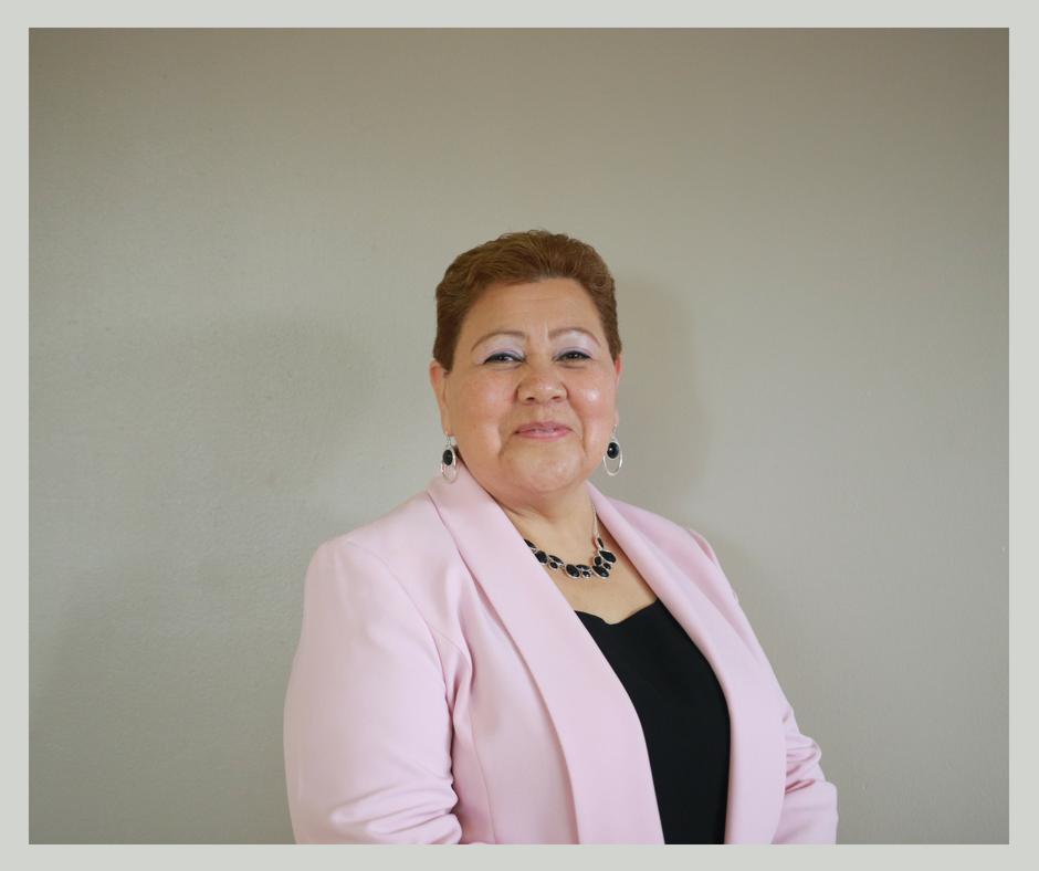 Pastor Yolanda (11).png