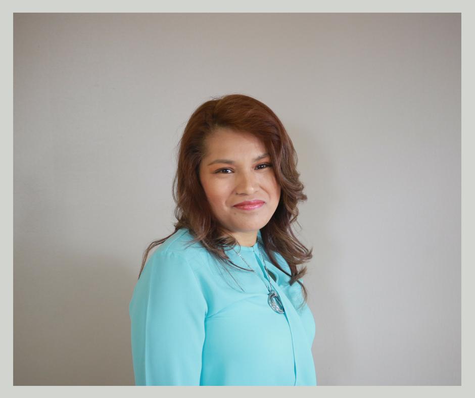 Pastor Yolanda (14).png