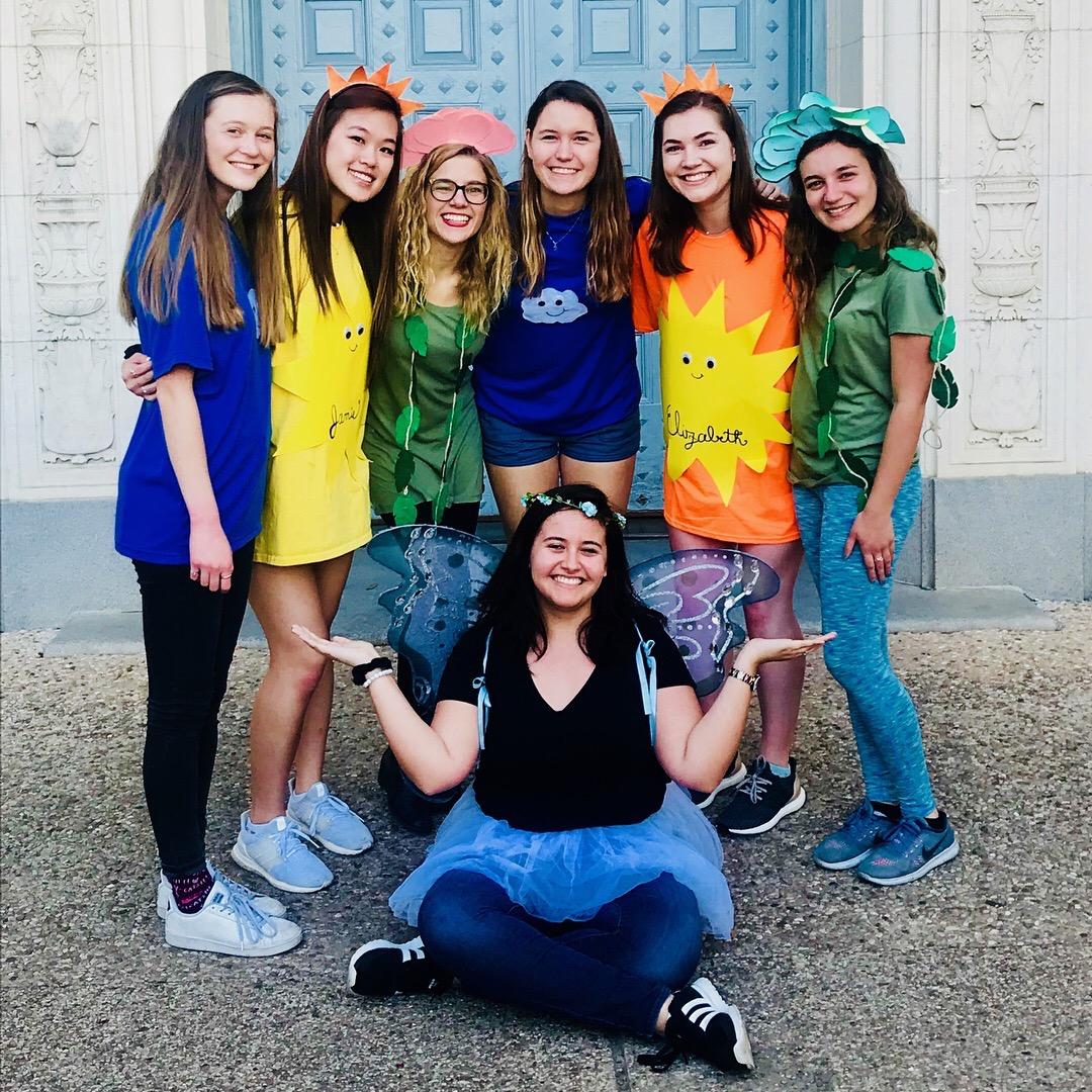 Isabella, Jamie, Grace, Erika, Elizabeth, Isabel, and Lindsay during Big/Little reveal Spring 2018.
