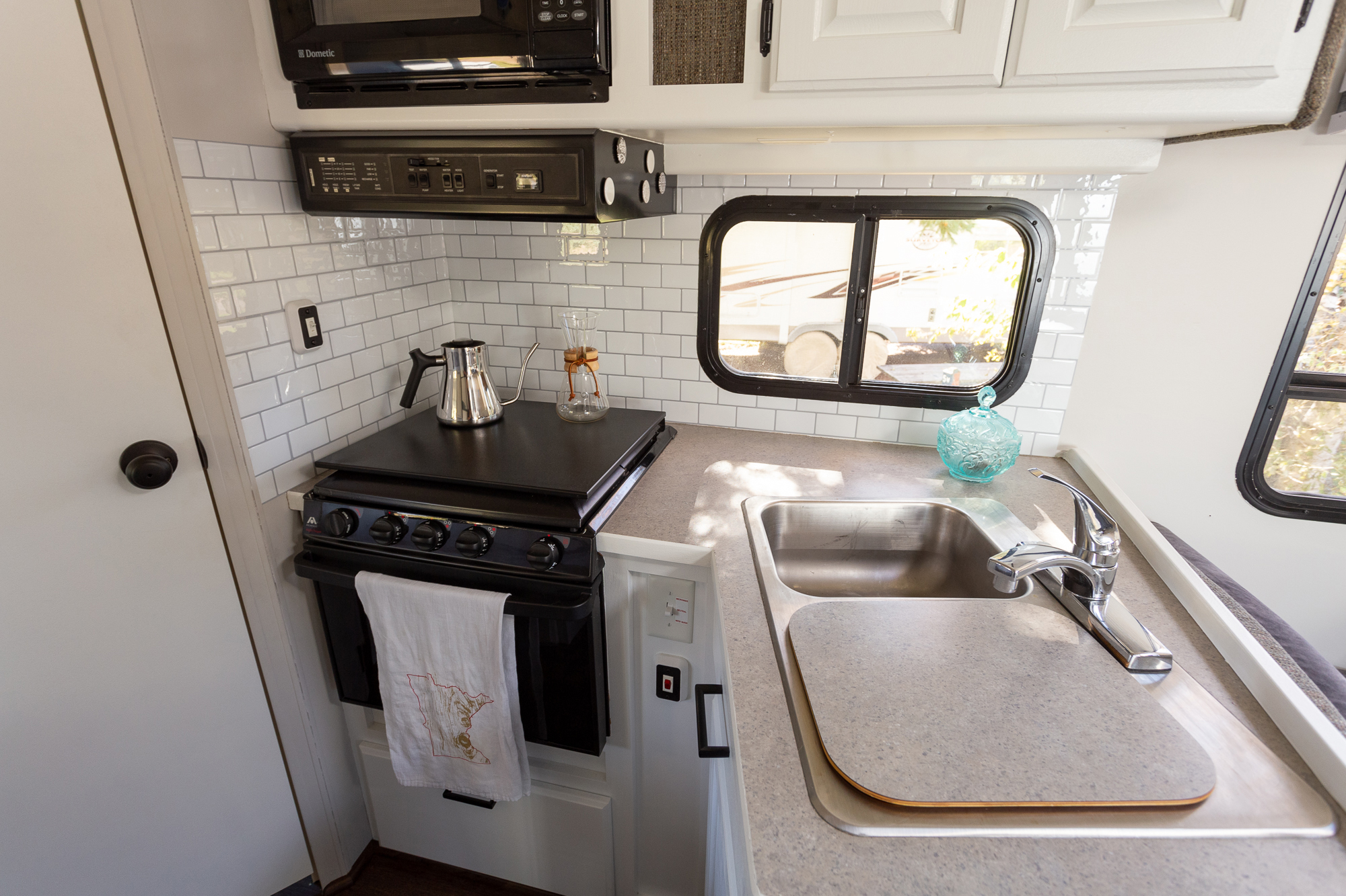 Tic Tac Tiles backsplash in Subway Mono White