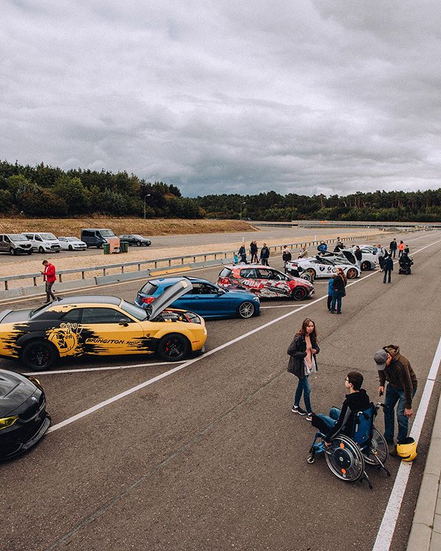 Insights from our first #socialtrackday for duchenne sickened boys. Thanks to all guys who became heroes that day @andy_m_shift @scc500 @marcel_bbm @olli_strwgn @andre_w_f21 @freddyahlers @dianakwi @matt_about_cars @lisamarieslife__  #volunteering #track #racing #kids #duchenne #rollitfilms #actofhonour #supercar #instagood #carsofinstagram #ferrari #racetrack