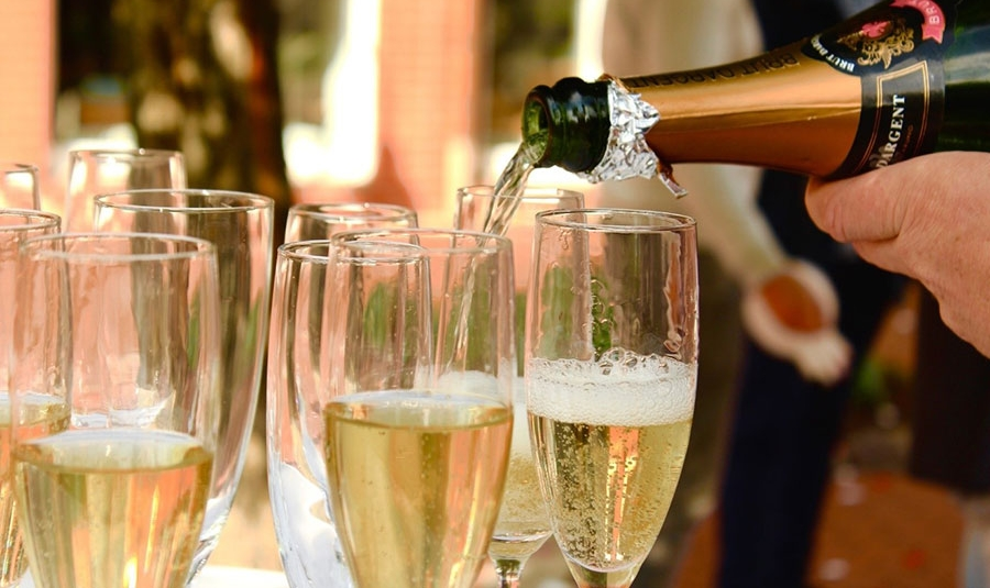 how-long-duse-champagne-last1.jpg
