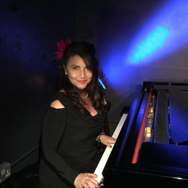 Still buzzing from my Sunday night performance at the gorgeous @hjcjazzclub - Beautiful audience, astounding acoustics and this little baby Grand is a gem! @lateralizeltd @hjcjazzclub @greeklondonlive @greeksconnect @greek_singers @greek_music_to_the_max @hellenic_tv @livemusicdubai @hideaway_live @officialronnies @thespiceoflifesoho @pizzaexpresslive @liveatzedel @jazzlondonradio @jazzlondonlive @hampsteadmums @visithampstead @langham_london @theritzlondon @grosvenorhouselondon @thedorchester #live #singer #jazzsinger #greeksinger #performer #entertainer #dubai #lebanon #greece #cyprus #italy #spain #france #jazz #london