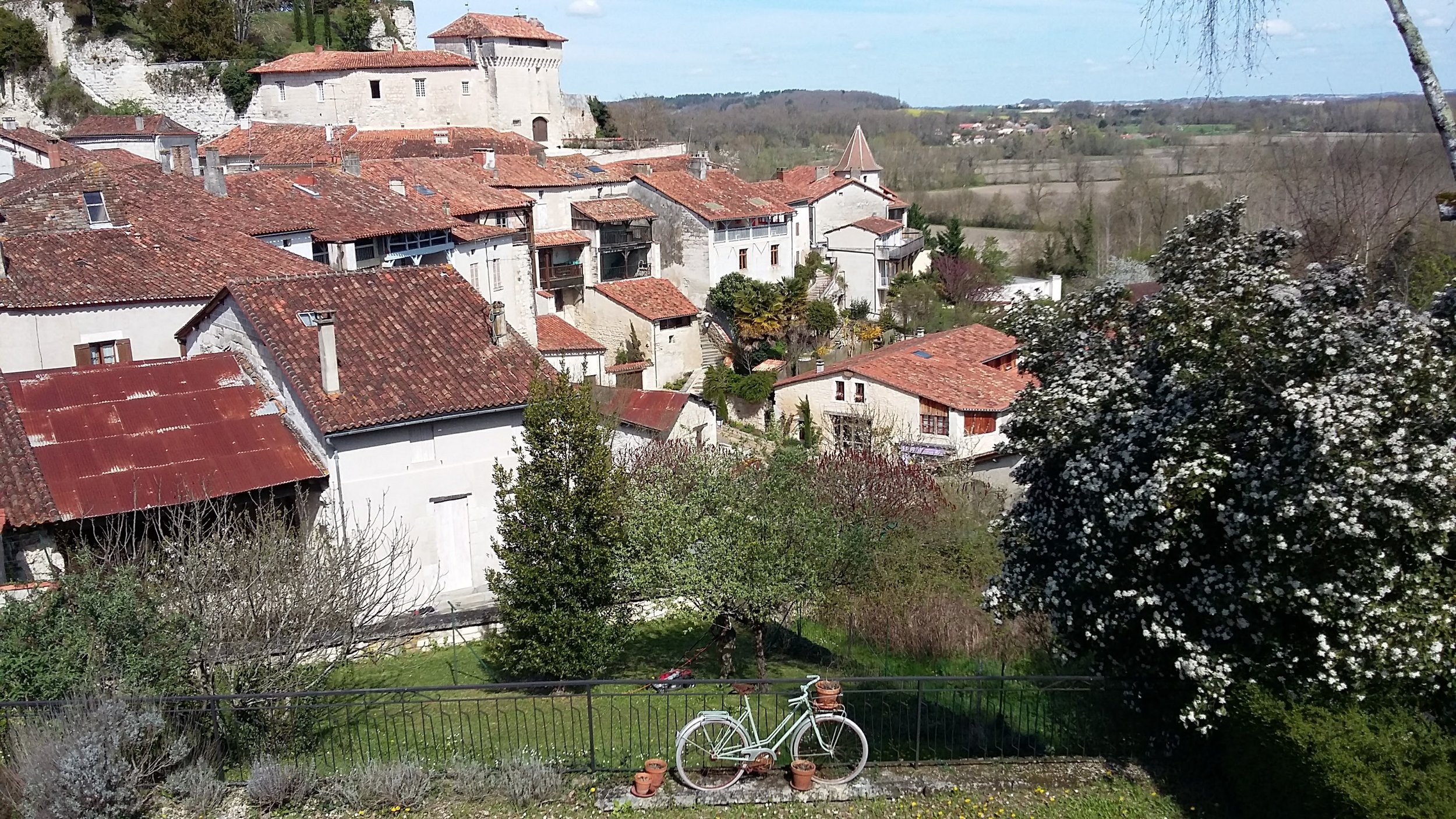 Aubeterre is the location for L'atelier des ecrivains - The Writers' Workshop, France