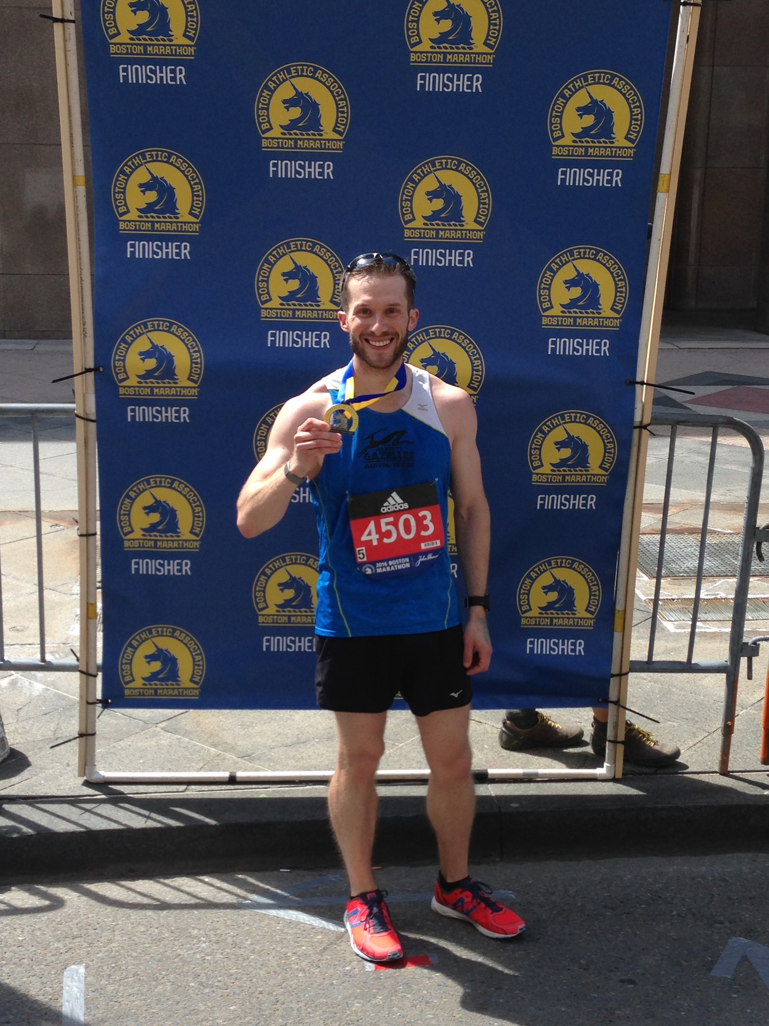 Bonus episode 41: Matt Sorenson - Matt Sorenson currently hails from Austin, TX and he's a father, husband, scientist, podcaster, runner, and a recent author. After enjoying soccer and track and field throughout school, Matt turned to distance running after his new wife introduced him to it in 2008. Since then, Matt has run the Boston Marathon three times, as well as Chicago and New York City. Matt started the Runified Podcast to help share extraordinary stories from everyday runners and has produced over 100 episodes. He's currently in the process of launching his first children's book, My Mommy Runs, which enables adults to share the transformative power of running through unique lines and engaging comic book style illustrations.Links:25% discount off one copy of My Mommy Runs: http://bit.ly/MyMommyRuns25Email: matt@runified.coIG: https://www.instagram.com/g5active/Twitter: https://twitter.com/g5activeFacebook: https://www.facebook.com/groups/mymommyrunsbook/ or https://www.facebook.com/g5active/
