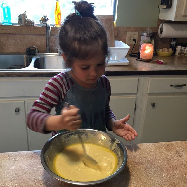 Look who's helping in the kitchen?! My sweet girl is mixing up a batch of cornbread with her Nana that we can soon enjoy.. YUM!⁣ *⁣ *⁣ *⁣ *⁣ ⁣ #eat #hungry #delish #cornbread #kitchen #kitchenhelper #littlehelper #kidsinthekitchen #delicious #foods #foodprep #yum #tasty #dinner #homemade #nomnom #homecook #bread #cooking #homecooking #nomnomnom #supper #cheflife #homecooked #mixing #baking #kidcooks