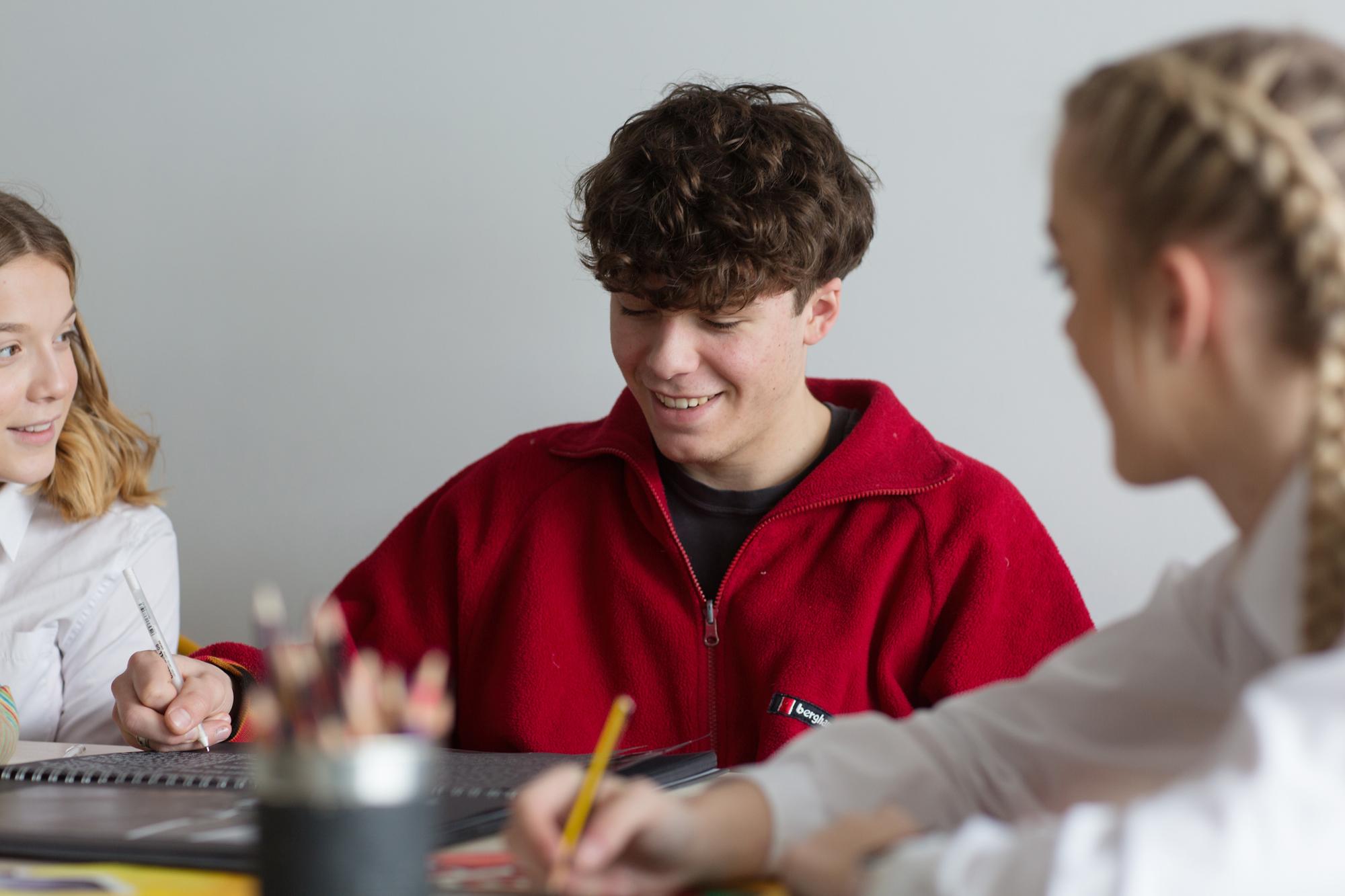 Teenager art workshop lesson