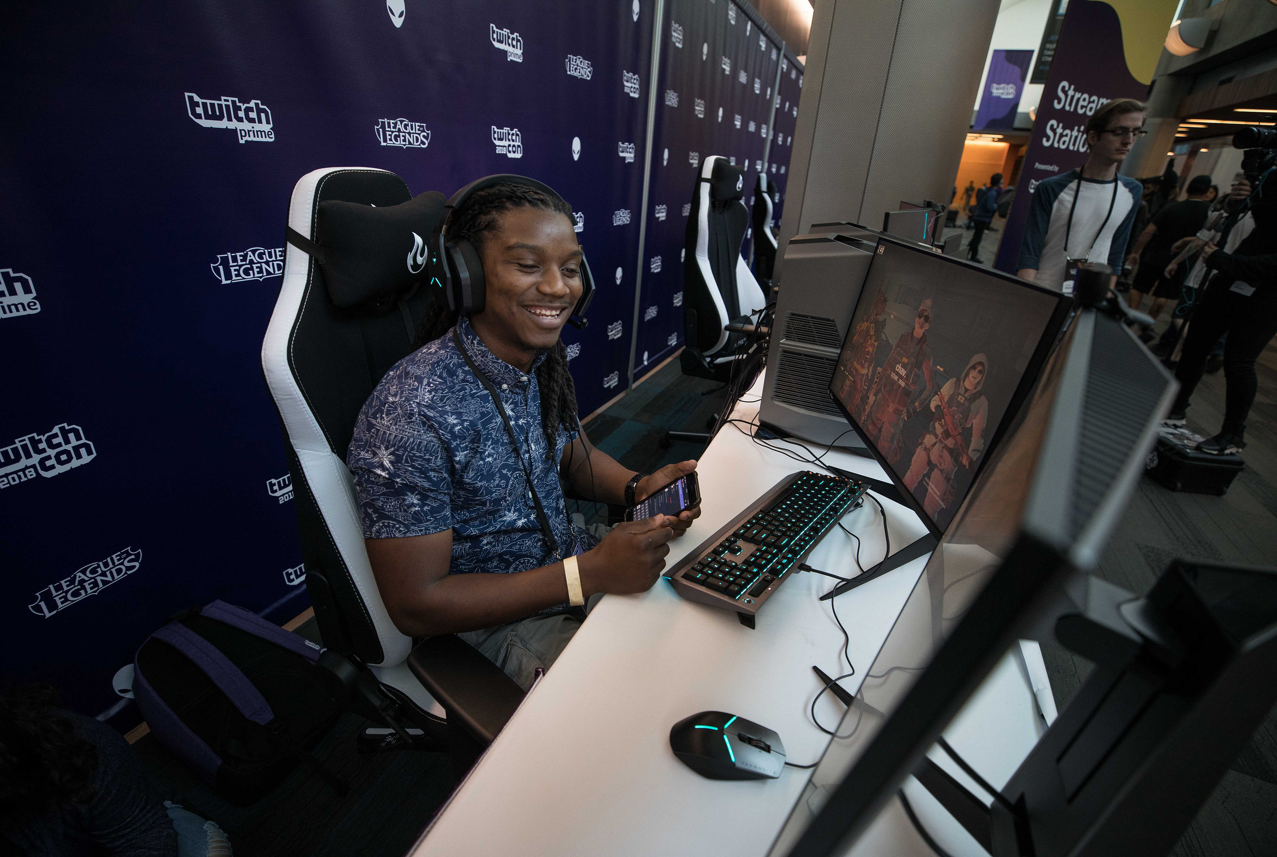 Gamer fan checking things out at League of Legends-TwitchCon booth, San Jose Convention Center on October 26, 2018 in San Jose, California.  Photo by Hannah Smith / ESPAT Media