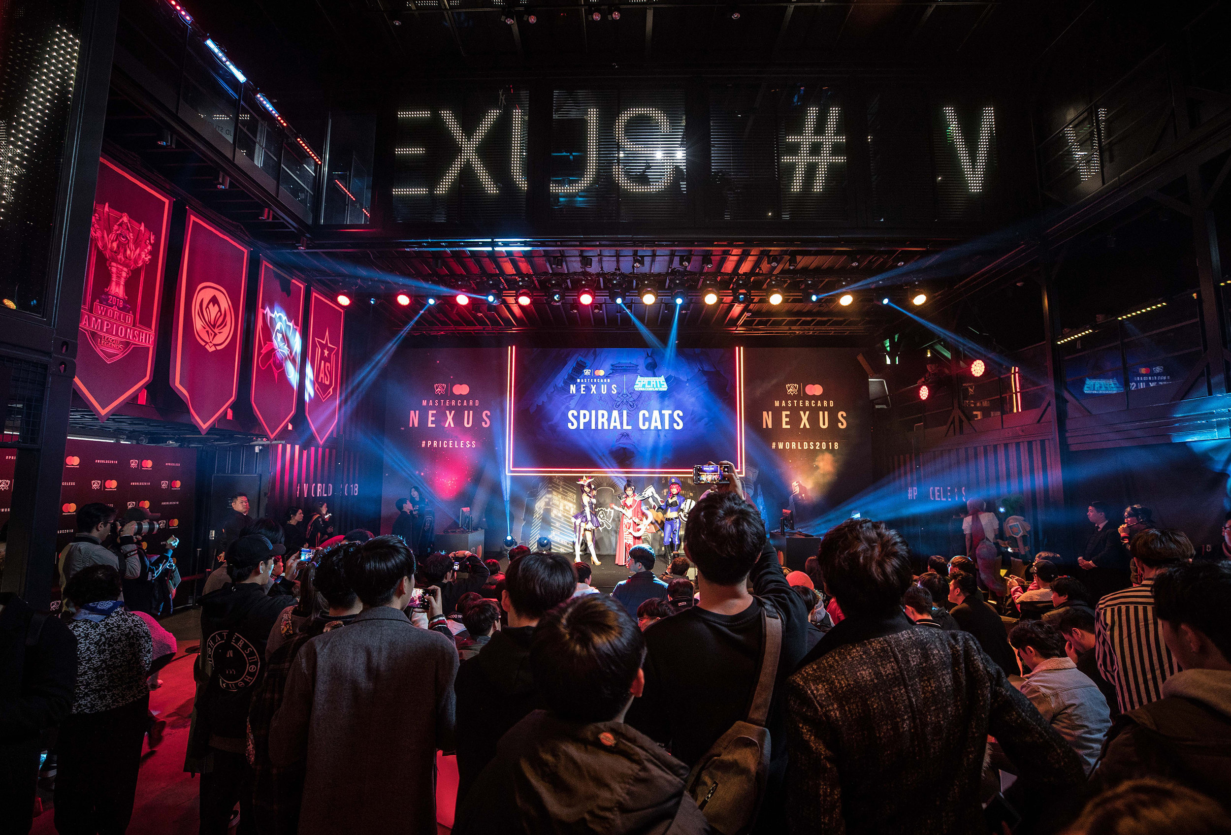 League of Legends fans enjoying the show on stage at Mastercard Nexus during the 2018 League of Legends World Championship on November 2, 2018 in Incheon, South Korea.  Photo by Hannah Smith/ESPAT Media for Mastercard