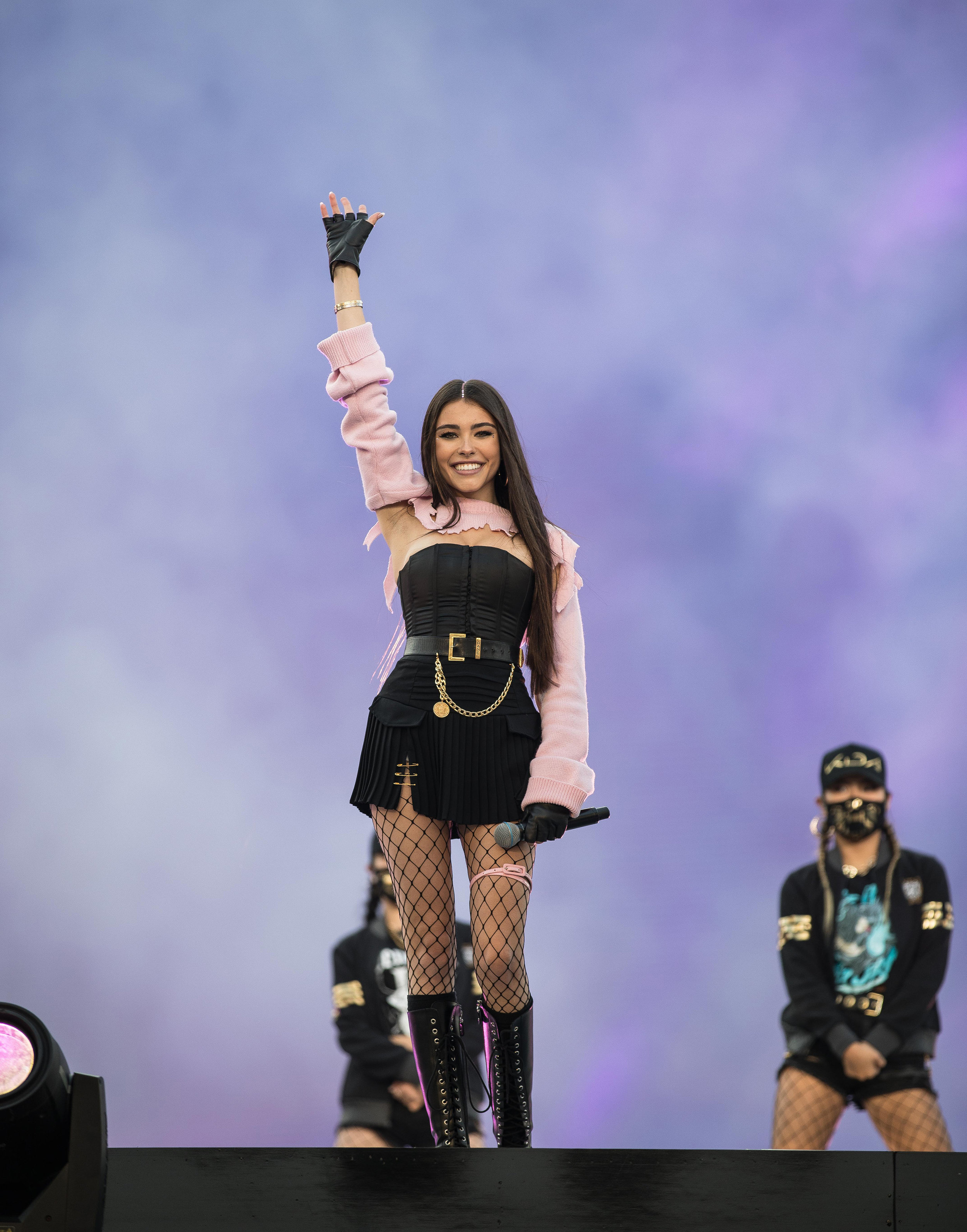 Madison Beer helps K/DA come to life during the Opening Ceremony at the 2018 League of Legends World Championship Finals sponsored by Mastercard on November 3, 2018 in Incheon, South Korea.  Photo by Hannah Smith/ESPAT Media for Mastercard